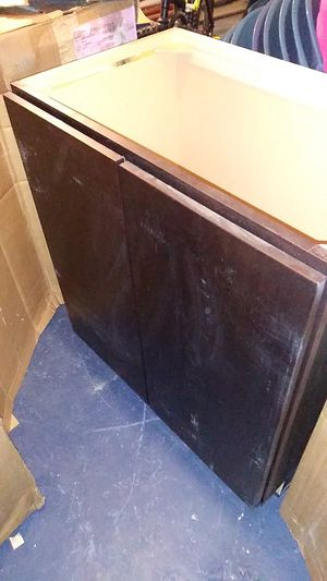 Kitchen cabinet must go for Sale in Chicago, IL