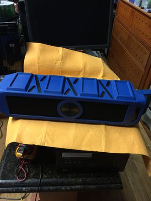 Magnavox Bluetooth speaker for Sale in Miami, FL