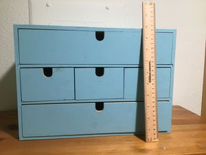 Small 5 drawer chest for Sale in San Marcos, CA