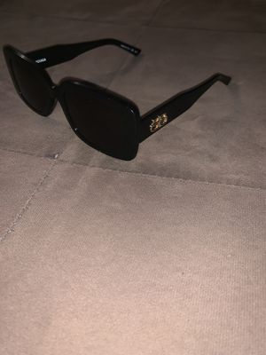 Balenciagas sunglasses read descriptions for Sale in La Habra Heights, CA