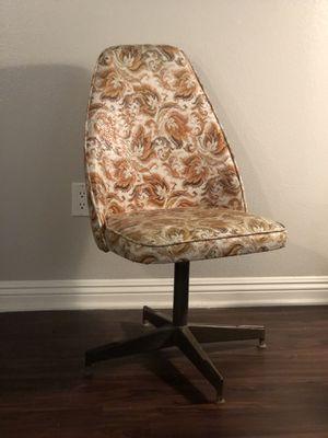 vintage 70's swivel chair for Sale in La Mirada, CA