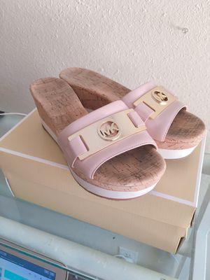 """Michael Kors """"Warren"""" Leather Platform Sandal(size 6.5) for Sale in Riverside, CA"""