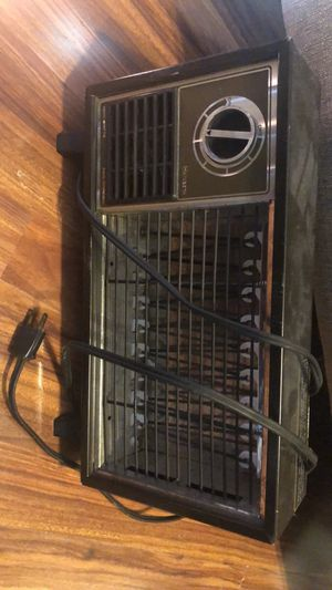 Small heater for Sale in Pawtucket, RI