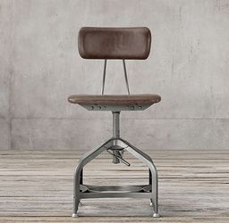 Restoration Hardware Vintage Toldeo Leather Swivel Chair for Sale in Irvine,  CA