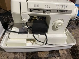 Sewing machine for Sale in Sterling Heights, MI