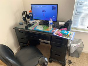 Desk for Sale in Reston, VA