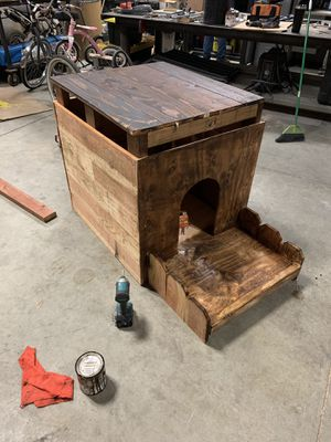 Dog house for Sale in Valley Home, CA