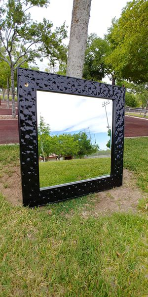 """30"""" x 30"""" Black Wall Mirror for Sale in North Las Vegas, NV"""