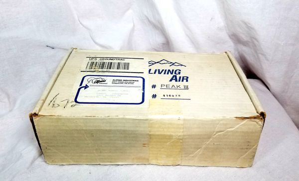 LIVING AIR model peak III Electronic Portable Air Purifying System 12Volt DC