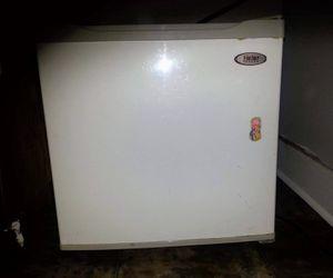 Haier mini fridge with freezer for Sale in Nashville,  TN