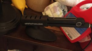 Stylehouse hair straightener for Sale in Galloway, OH