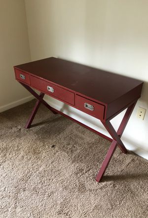 Nice chic desk very affordable $20! for Sale in Lynn, MA
