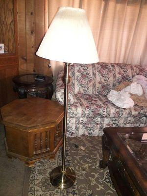 Pretty Brass Floor Lamp for Sale in Fresno, CA