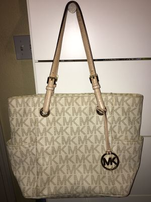 Michael kors purse for Sale in Indio, CA