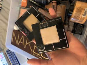 makeup brushes. foundation. pallets. ect... for Sale in BEACHWOOD, OH