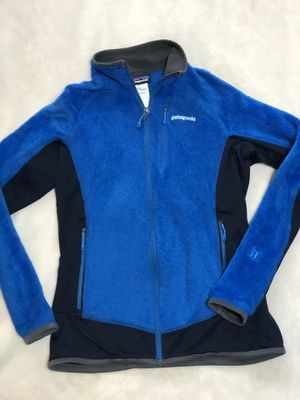 Patagonia Women's size M fuzzy polartec thermal fleece jacket for Sale in Woodinville, WA