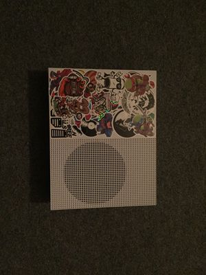 Perfect condition Xbox One S, 1 Terabyte with accessories. for Sale in Monroe, MI