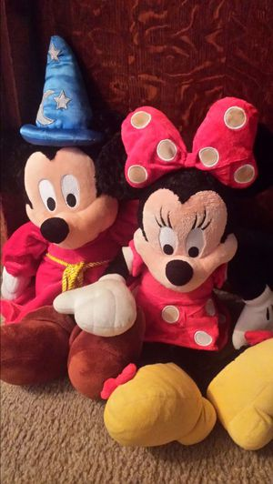 Disneyland Walt Disney World Mickey Mouse and Minnie Mouse pair stuffed animals Toys 18 inches long for Sale in Austin, TX