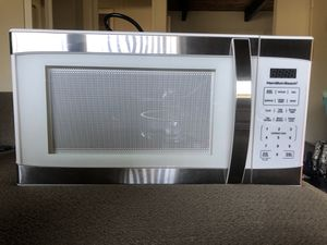Hamilton Beach 1500w 1.1 cubic ft microwave for Sale in Los Angeles, CA