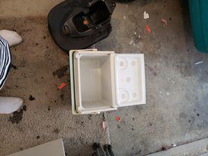Sm.ice chest for Sale in Glendora, CA