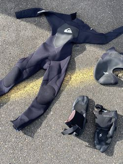 Wetsuit for Sale in Tacoma,  WA