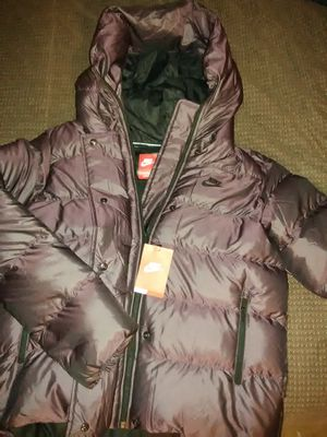 Large NIKE BUBBLE COAT for Sale in Baltimore, MD