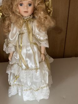 """Duck House Porcelain Vintage Angel Doll 16"""" for Sale in Crowley,  TX"""
