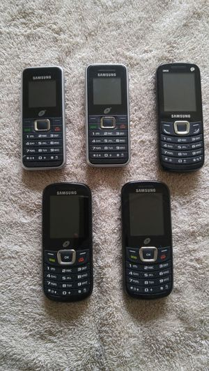 Lot of (5) Samsung Tracfones for Sale in San Francisco, CA
