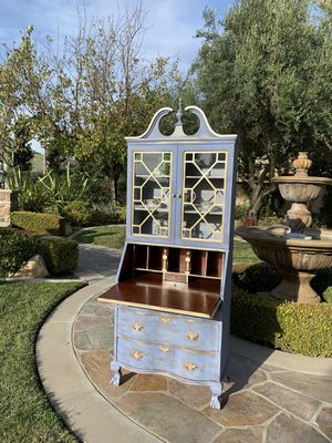 Beautiful Vintage Secretary Desk for Sale in Chino, CA