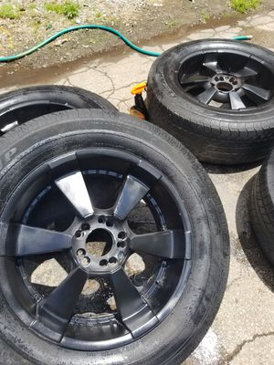 Set of 4used tires and wheels 5 lugs universal size 20 fit ford f150 Dodge Ram for Sale in Nashville, TN