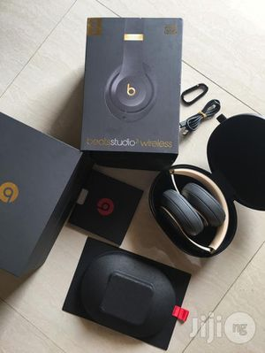 WIRELESS beats studio 3 grey and gold special edition 2019. (Brand New) for Sale in Salt Lake City, UT