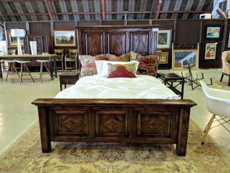 THEODORE ALEXANDER CASTLE BROMWICH QUEEN BED / SIDE TABLE for Sale in Los Angeles,  CA