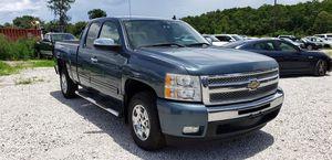 2011 chevy silverado lt for Sale in Hialeah Gardens, FL