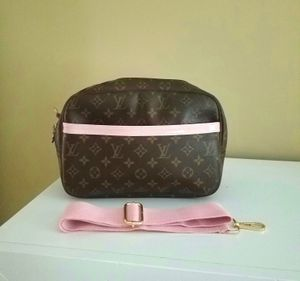 Louis Vuitton Reporter PM for Sale in Raleigh, NC