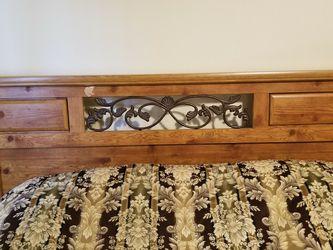 Four piece queen bedroom set for Sale in Kirkland,  WA