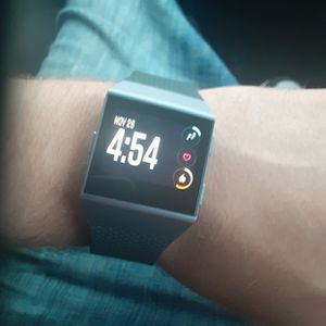Fitbit ionic for Sale in Conroe, TX
