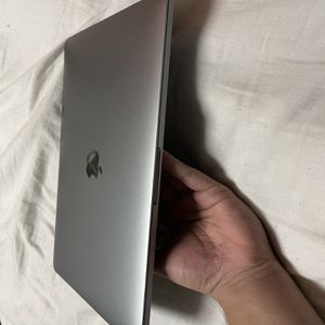 MacBook Pro 13 inch (mid 2018) for Sale in Coral Gables, FL