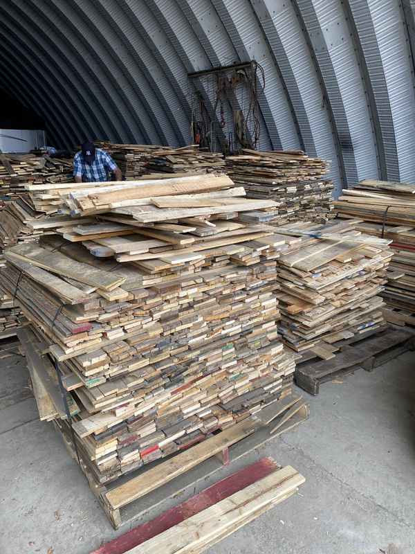 """Absolutely amazing quality reclaimed pallet boards for flooring, accent walls and diy projects. 3.75 x 36"""""""