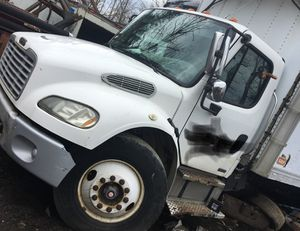 2006 Freightliner parting out for Sale in Mentor, OH