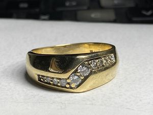 Men's 14Kt gold diamond ring size 10 sizeable for Sale in Miami, FL
