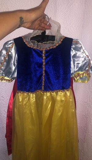 Disney Snow White costume in excellent condition for Sale in San Diego, CA