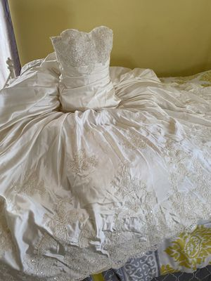 Ivory Silk A-Line Wedding Dress with Flower Girl Dress for Sale in Kissimmee, FL