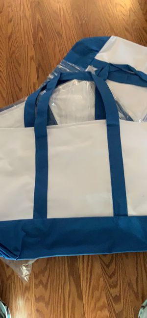 Lot of 10 tote bags with zipper and 2 pockets for Sale in Topeka, KS