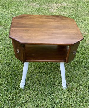 Farm house inspired end table for Sale in Arlington, TX