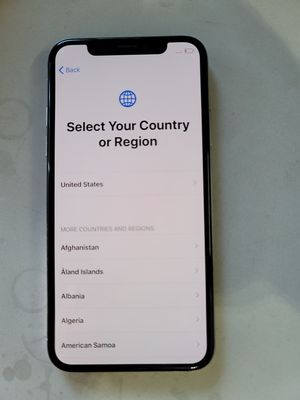 IPhone X 64gb unlocked to any company for Sale in Hayward, CA