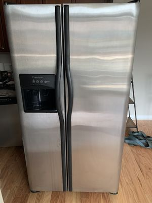 Full kitchen Frigidaire $1300 for Sale in Elmwood Park, IL