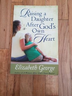 Raising A Daughter After God's Own Heart (Paperback) for Sale in Vancouver,  WA