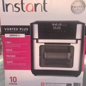 Instant Pot Air Fryer Oven for Sale in Dallas, TX