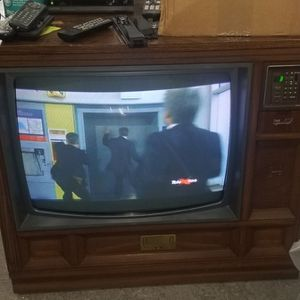 Console TV 1986 for Sale in Bowie, MD