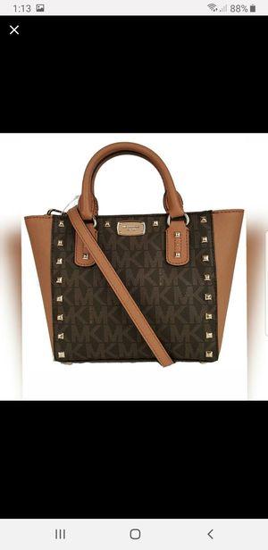 Authentic MICHAEL KORS SARDRINE STUD MESSENGER bag for Sale in Marietta, GA